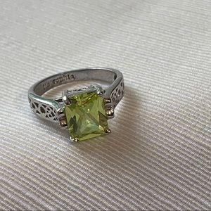 RETIRED Lia Sophia Appletini Peridot Ring, 8